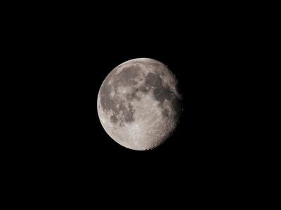 100ed_epl1_moon201285_iso400_4001bl